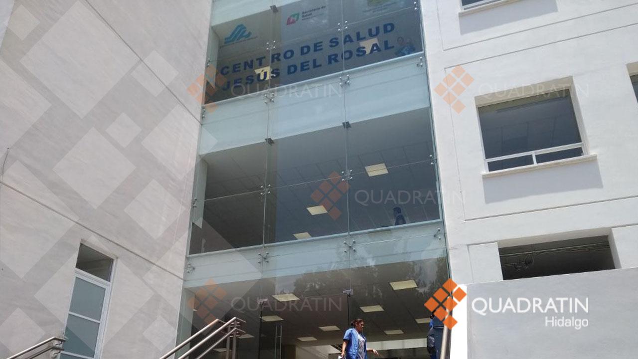 Entre quejas, reanuda operaciones remodelado centro de Salud de ...